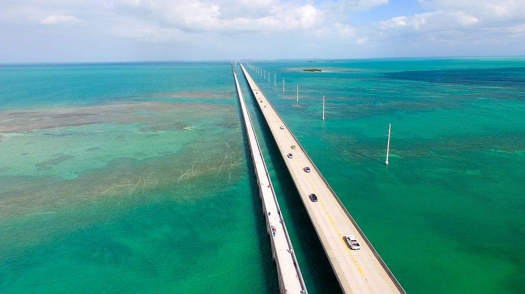 Bridge and pier fishing in the florida keys bass snook for Florida keys bridge fishing